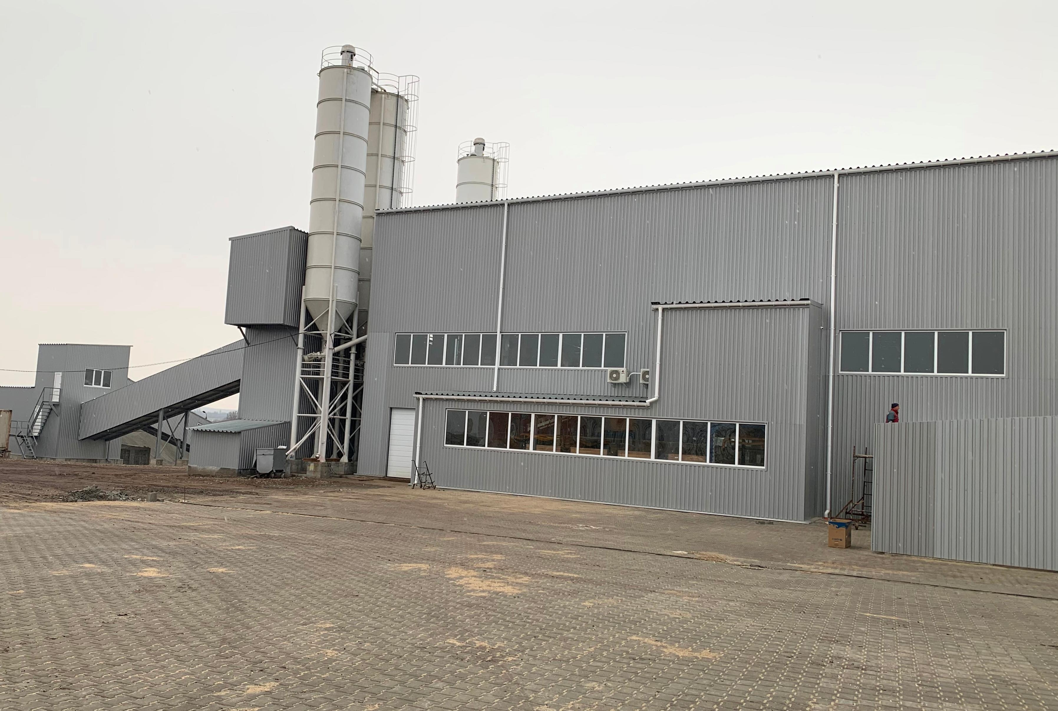 Центр будівельних рішень - завод по виготовленню тротуарної плитки та ФЕМ